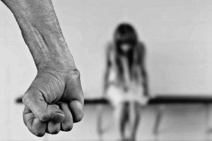 zakaz kontaktowania się sprawcy z pokrzywdzonym